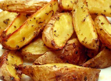 Fırında Elma Dilimli Soslu Patates Kızartması Tarifi