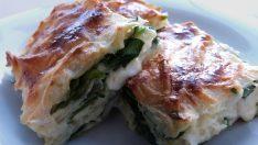 Ispanaklı Peynirli Börek | Peynirli Börek Tarifi | Ispanaklı Börek Nasıl Yapılır