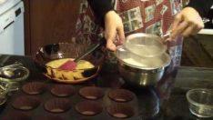 Muzlu Muffin Nasıl Yapılır? İzle, 4 dakikada kesintisiz