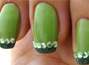 Yeşil Taşlı Oje Deseni – Nail Arts