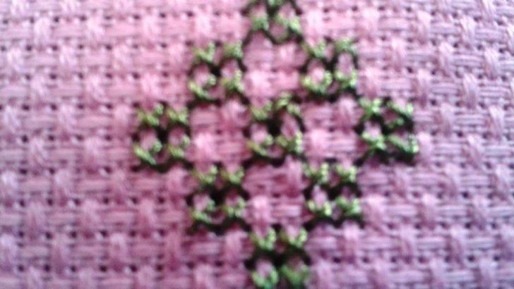 Kanaviçe Etamin Çiçek Yapımı