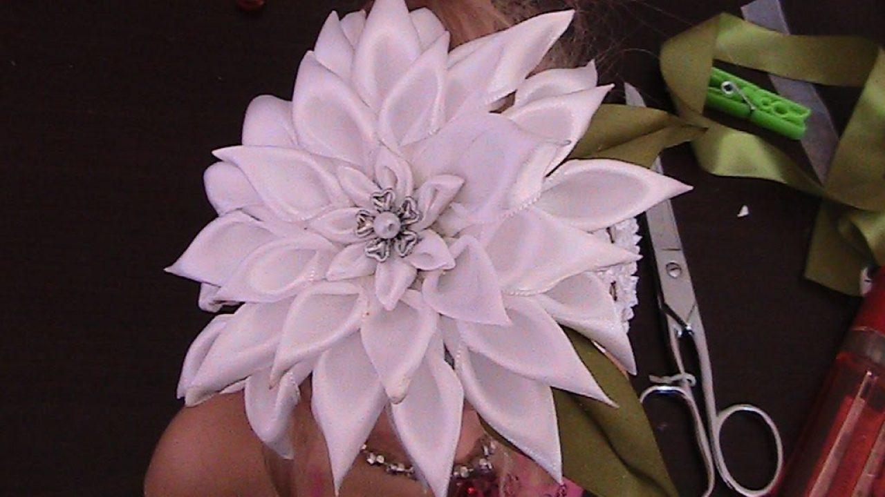 Kurdeleden Çiçek ile Bandana Süsleme (Ayçiçeği)