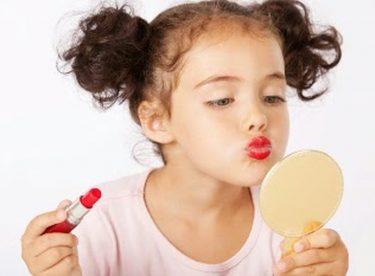 Kızınız Makyaj Malzemelerinize mi Göz Dikti?