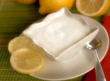 Göbek Eriten Mucize: Limonlu Yoğurt Kürü