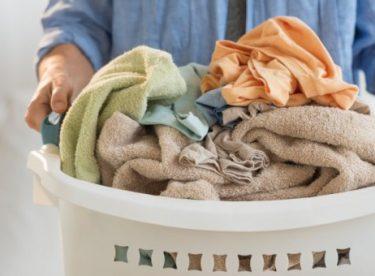 Renkli Çamaşırlar Nasıl Yıkanır?