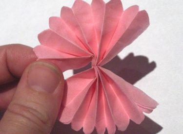 El İşi Kâğıtlarından Çiçek Yapımı