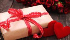 Sevgililer Günüde Kadınlara Hangi Hediyeler Alınmalı