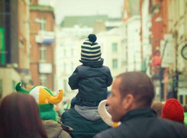 Çocuklara Bayramlık Alırken Nelere Dikkat Etmeliyiz?