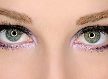 Gözlerinizi Olduğundan Büyük Göstermek için Taktikler