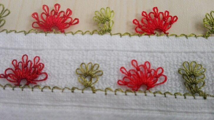Küçük çiçekli iğne oyası modeli yapımı