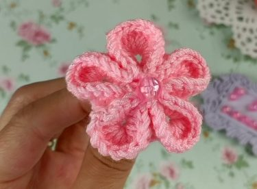 Tığ İşi 3 Boyutlu Çiçek Yapımı