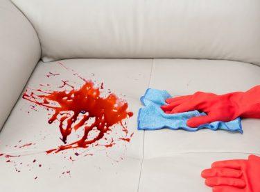 Koltuk ve Halıdaki Kan Lekelerini Çıkarma Yöntemleri ve Kullanılacak Malzemeler