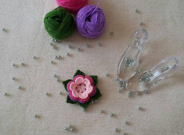 Tığ işi çiçek yapımı