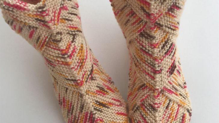 Bulmaca karesi çorap modeli yapılışı