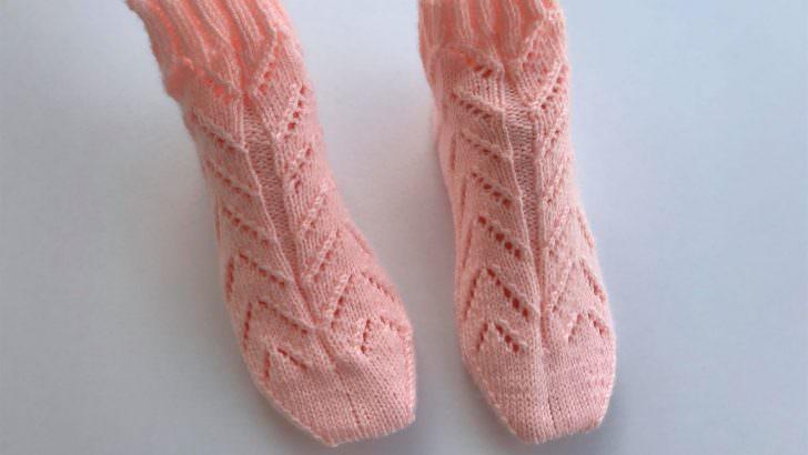 Beş şiş ajurlu çorap yapımı