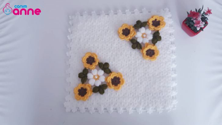 Çiçekli kare lif modeli yapımı