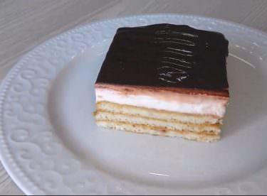 En kolay bisküvili pasta tarifi