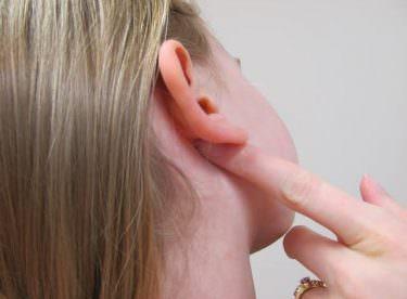 Kulak Arkasında Şişlik Neden Olur? Nasıl Tedavi Edilir?
