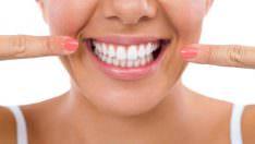 Dişlerdeki Kahverengi Lekeler Nasıl Çıkar? Neden Olur?